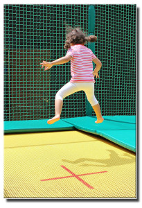 kinder trampolin